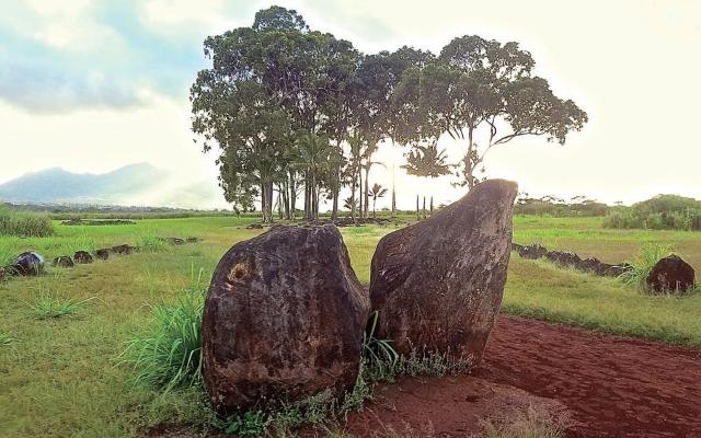 ハワイのパワースポット:バースストーン(クカニロコ)