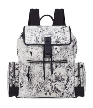 ディオールのバッグパック