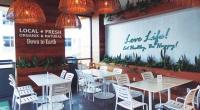 ダウントゥーアースのカフェ