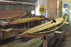 サーフボード全体のシェイプ