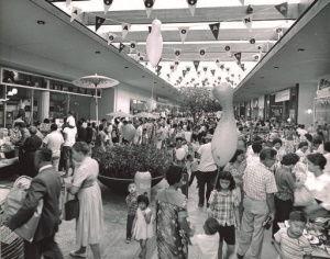 アラモアナセンター(サイドゥオークセール)