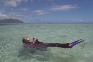 スキューバダイビング_海面で浮遊